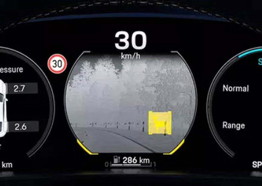 2020 Porsche Taycan night view assistant