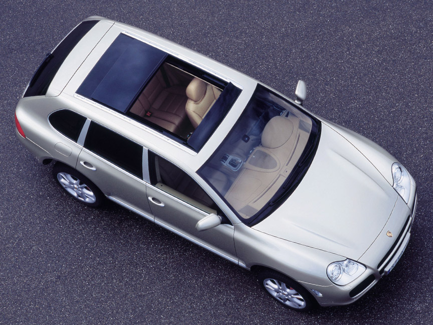Porsche Cayenne 955 with panoramic glass roof