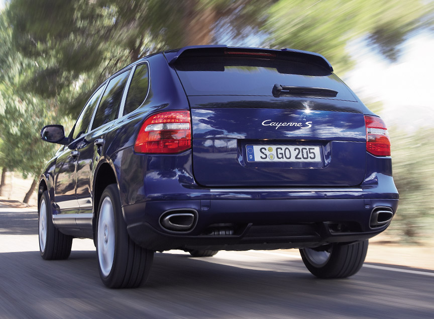 Porsche Cayenne S (957) rear view