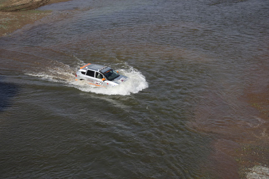 2007 Trasnssyberia rally, Porsche Cayenne crossing the river