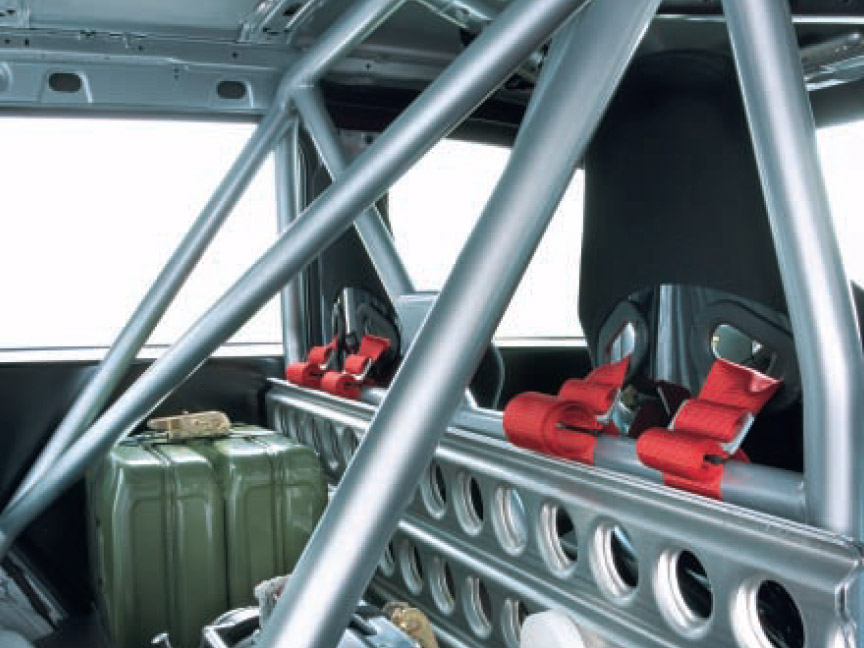 The roll cage of the 2007 Transsyberia Cayenne S