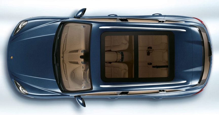 Porsche Cayenne 958.1 with panorama roof, top view