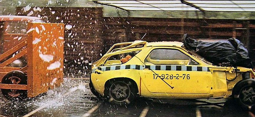 Porsche 928 prototype in crash test