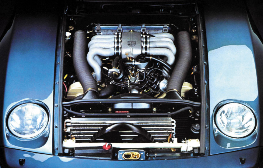 Porsche 928 engine room