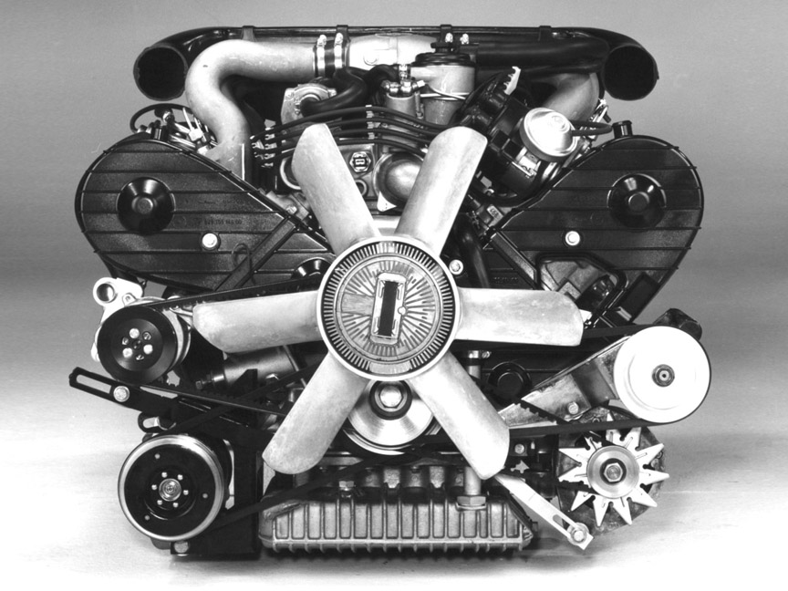 Porsche 928 4.5 V8 engine, front view