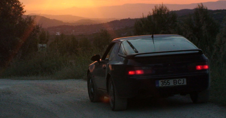 Porsche 968 in the sunset mountains