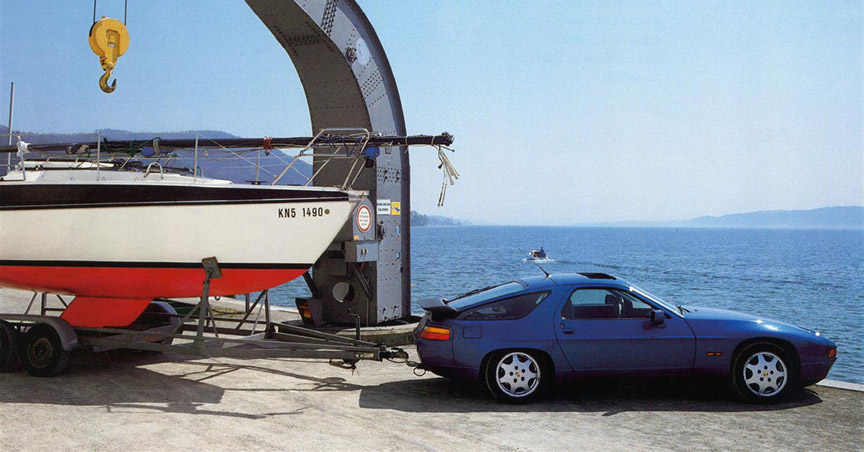 Porsche 928 with trailer hitch