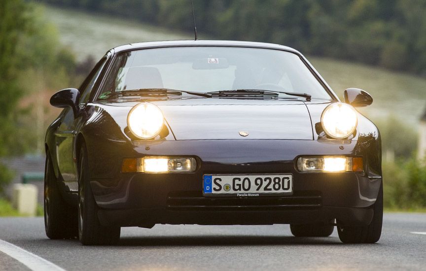 Porsche 928 GTS headlamps up