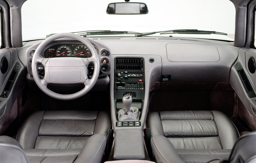 Porsche 928 GTS interior with manual transmission